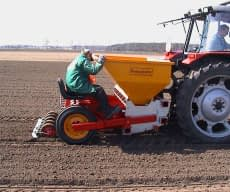 Precision planter 12 row 3,60 m row distance 25 (only with hydraulic drive)